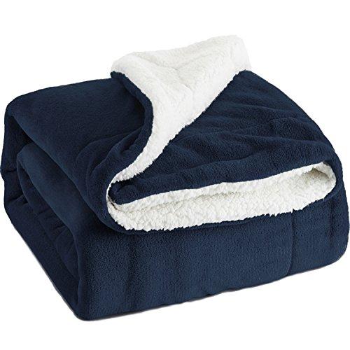 Bedsure Flauschige Kuscheldecke Navyblau 130x150cm super weiche Decke mit Sherpawoll, Wende-Design leichte...