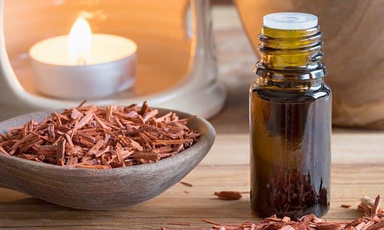 Saunakonzentrate mit beruhigenden Ätherischen Ölen unterstützen die vollständige Entspannung in der Sauna